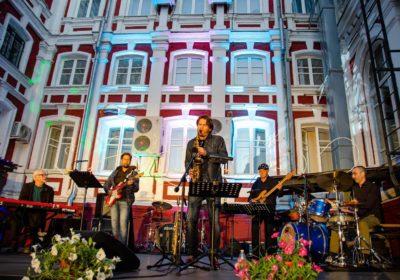 Концерты в Свиридовском дворике